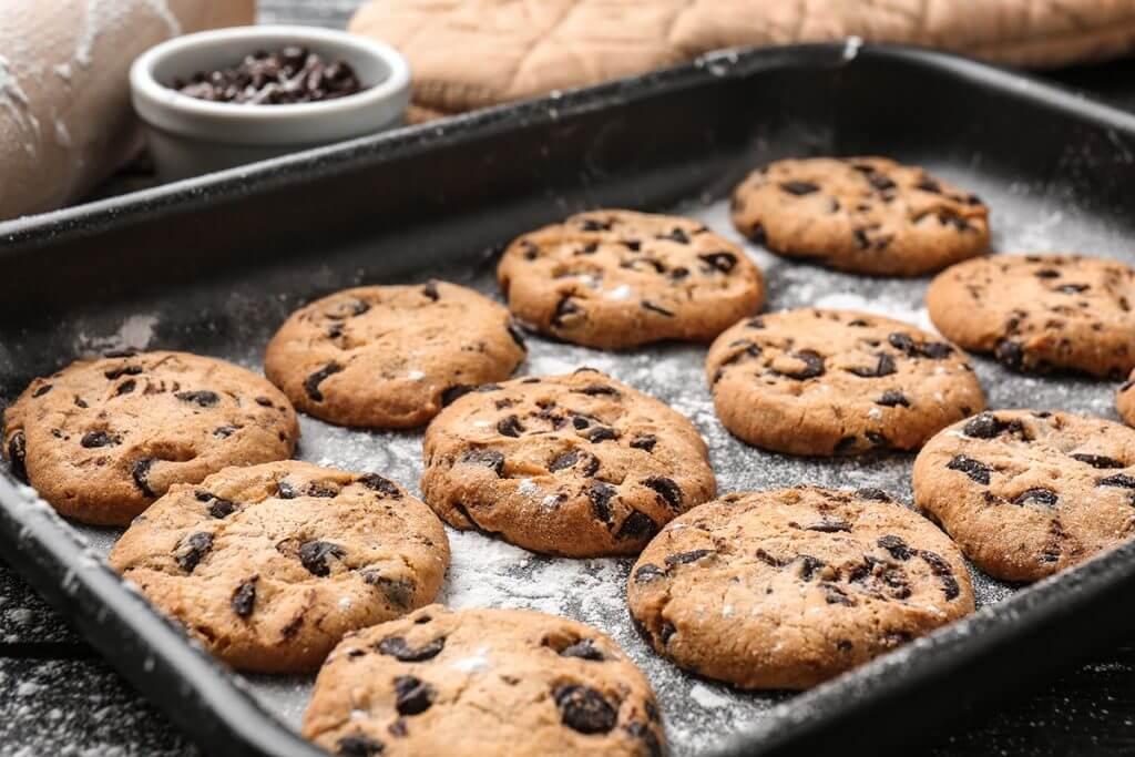 Rows of freshly-baked cookies